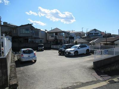西竹之丸駐車場