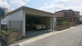 並列2台駐車可能の屋根付車庫