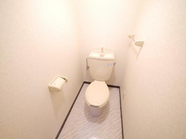 ウォシュレット付き・トイレもきれいです
