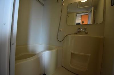広めのお風呂空間です