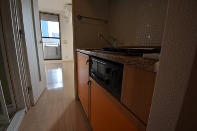 ガスコンロ2口の キッチンです。