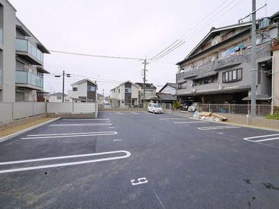 【駐車場】シャーメゾン京終