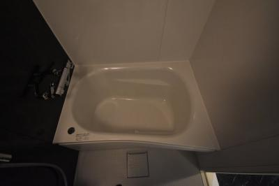 余裕の大きさがあるお風呂 追い炊き 浴室乾燥ついてます。