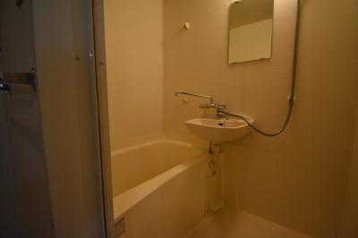 バス トイレ別のお部屋です。