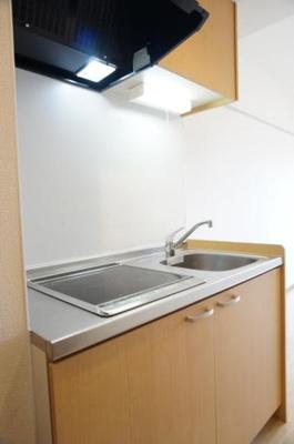 キッチンはIH2口のキッチンです。
