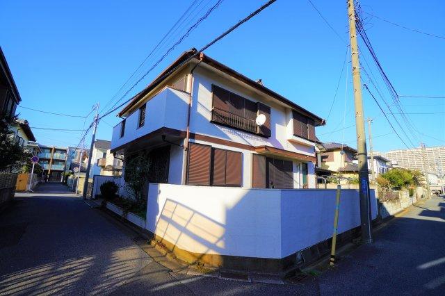 閑静な住宅地にあり、稲毛駅まで徒歩圏内の好立地戸建賃貸です。