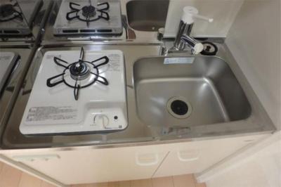 ソフィアハミングのコンパクトなキッチンで掃除もラクラク