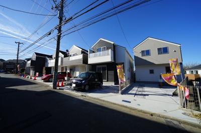 【外観】全5棟!!整った街並みのお家が令和2年1月完成!便利な星川駅から徒歩11分。全棟カースペース2台♪
