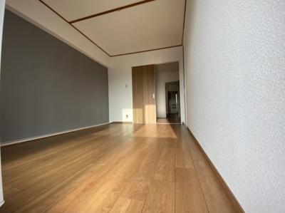 ■しっかりとした広さがある洋室です。