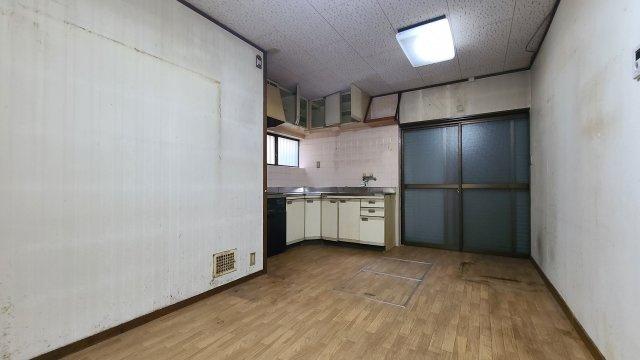 【居間・リビング】神戸市兵庫区熊野町3丁目 中古戸建