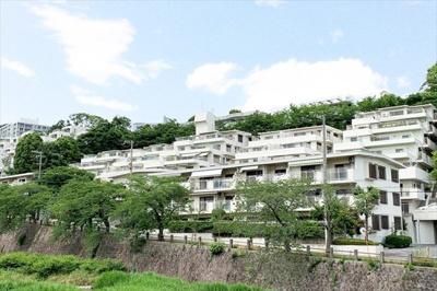 阪急芦屋川駅より徒歩4分 閑静な住宅街です♪