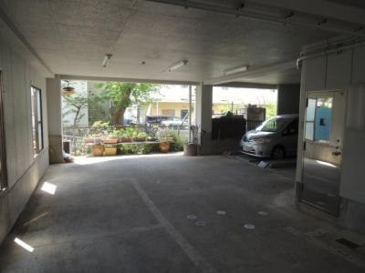 【駐車場】中村屋ビル