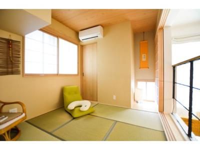 【当社施工例】 畳や襖が醸し出す和室ならではの落ち着いた雰囲気は、心が落ち着きますね。