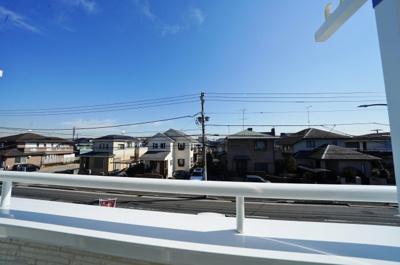 【展望】落ち着いた雰囲気の住宅地!2WICの収納豊富な3LDK!カースペース2台♪新桜ケ丘1丁目 新築戸建て