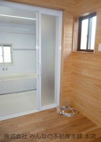 【洗面所】鳥栖小学校校区 無垢材使用した新築戸建
