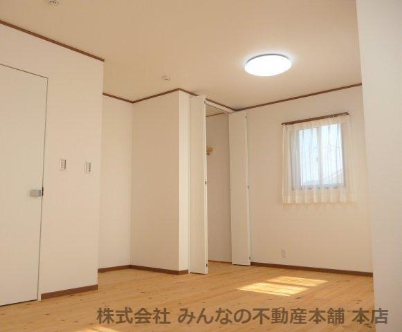 【洋室】鳥栖小学校校区 無垢材使用した新築戸建