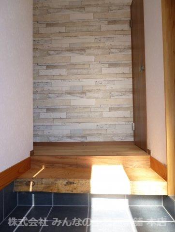 【玄関】鳥栖小学校校区 無垢材使用した新築戸建