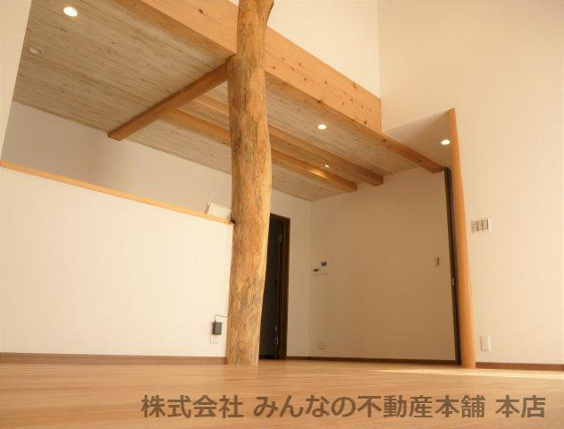 【居間・リビング】鳥栖小学校校区 無垢材使用した新築戸建