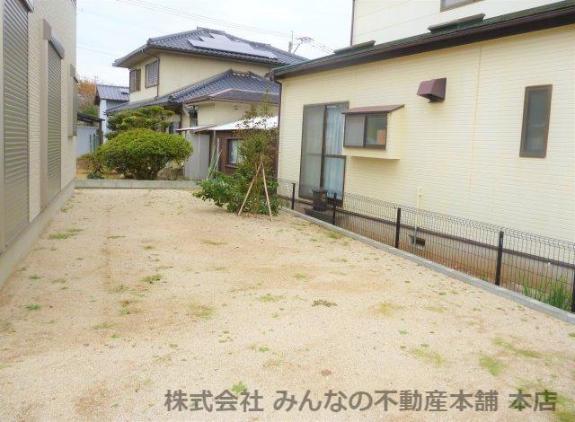 【庭】基里小学校徒歩2分 本物の木の家