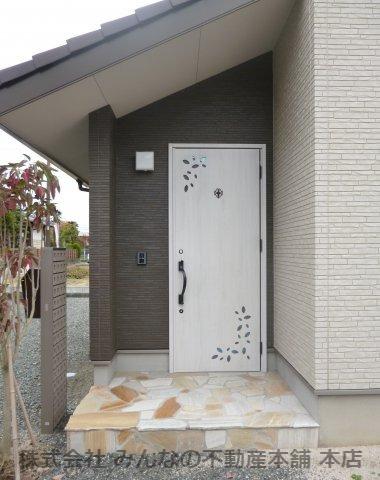 【玄関】基里小学校徒歩2分 本物の木の家