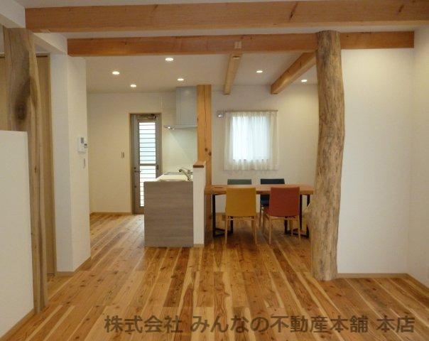 【居間・リビング】基里小学校徒歩2分 本物の木の家