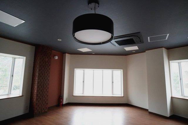 2階にお洒落な照明完備