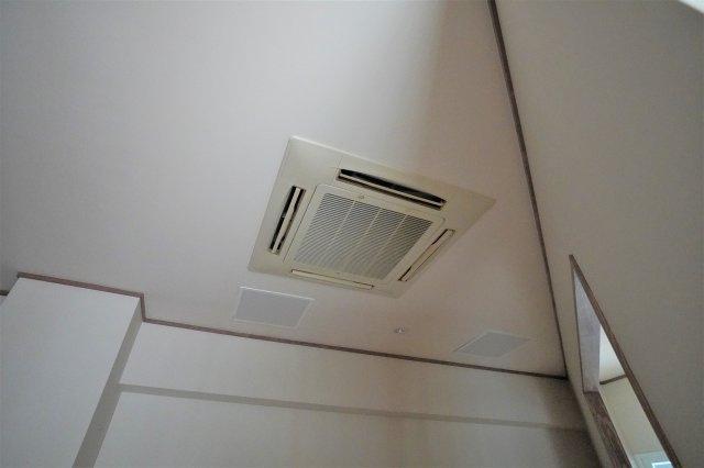 各部屋にエアコン完備