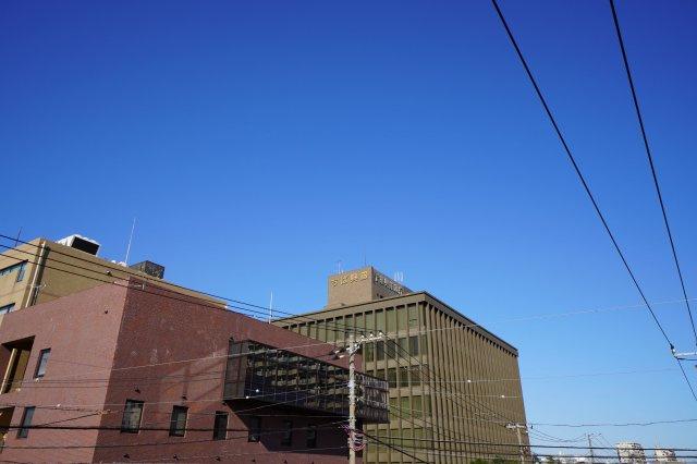 徒歩圏内に、千葉興業銀行本社がございます。