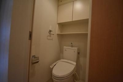 収納充実したトイレです。