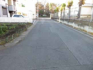 【前面道路含む現地写真】小山市犬塚五丁目・売地