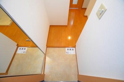 【玄関】シャトーアスティナ高麗橋