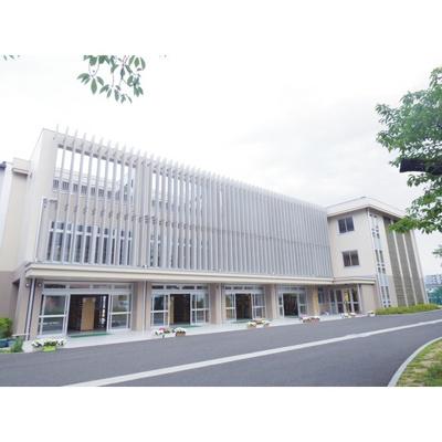 中学校「長野市立桜ケ岡中学校まで1083m」学区はご確認ください