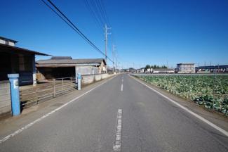 北東側7m道路に接道。