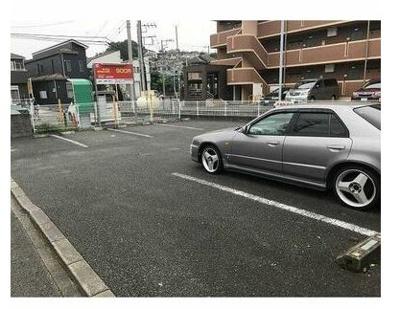 【駐車場】ヴィラ