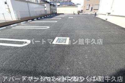 【駐車場】サンパティーク・レジデンス A