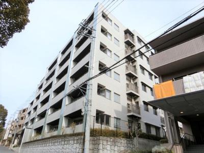 【現地写真】 鉄筋コンクリート造の 60戸の大型マンション♪