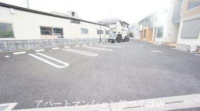 【駐車場】サンパティーク・レジデンス B