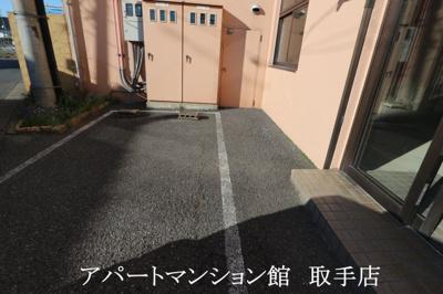 【駐車場】ル・マ・デュ・キャルム テナント