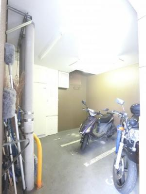 バイク置場もあります。