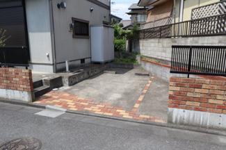 千葉市中央区蘇我 中古一戸建て 蘇我駅 カースペース2台付き!一台分はカーポートがついているので雨もしのげます。