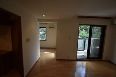 【洋室】元麻布の閑静な住宅街に佇む低層高級マンション 元麻布フォレストプラザⅡ