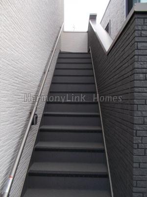 ハーモニーテラス千川の階段☆