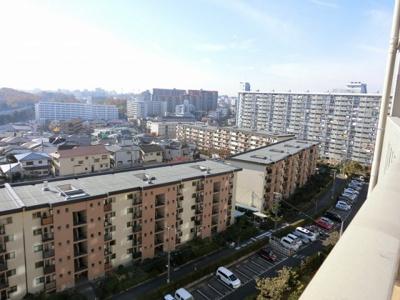 【現地写真】周りに高い建物もなく、12Fからの景色は圧巻です♪