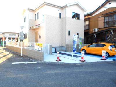 カースペースがあります。駐車3台。車種によります。価格変更です。年末年始対応します。