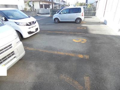 【駐車場】ブルーハイツ