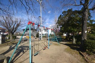 最寄りの公園まで約41m!遊具もあります