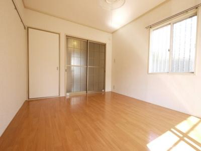 使い勝手の良い居室は6帖です
