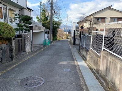 【前面道路含む現地写真】深草大亀谷東寺町 中古戸建