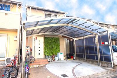 平成19年築の《3LDK》中古一戸建てが新登場!最寄り駅の京阪『観月橋駅』まで徒歩10分!近鉄やJRにもアクセスが可能で通勤・通学も便利です。