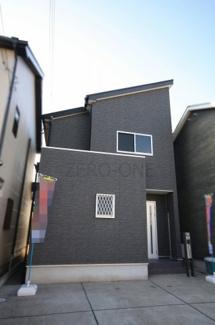 堺市西区山田 中古一戸建て 改装済み 石目大理石調のフローリング敷きです LDKの広さはぜひ一度見て頂きたい広さです